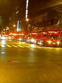 近所のビルが火事?